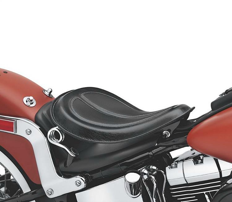 Harley-Davidson® Solo Saddle | Black