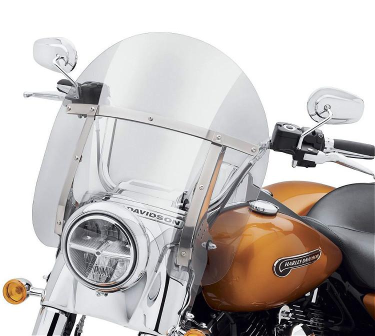 "Harley-Davidson® Freewheeler® H-D® Detachables™ 16"" Windshield | Light Smoke"
