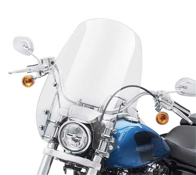 "Harley-Davidson® Milwaukee-Eight® Wind Splitter Quick-Release Super Sport Windshield | 19"" | Light Smoke | Polished"