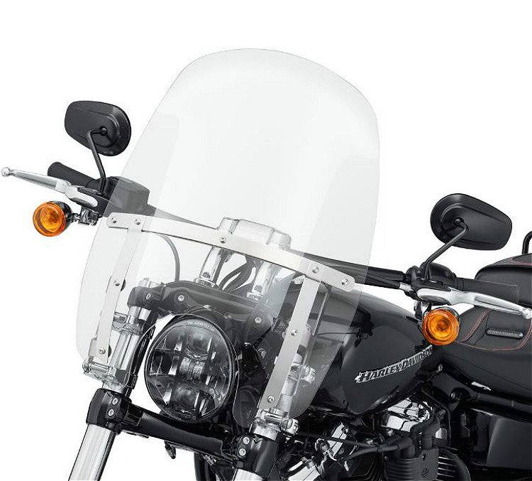 """Harley-Davidson® Milwaukee-Eight® Breakout®   Wind Splitter Quick-Release Compact Windshield   18""""   Clear   Polished"""