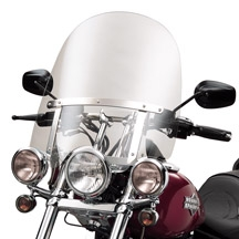Harley-Davidson® Detachables™ Compact Windshield for Models with Auxiliary Lighting 18 Inch Clear