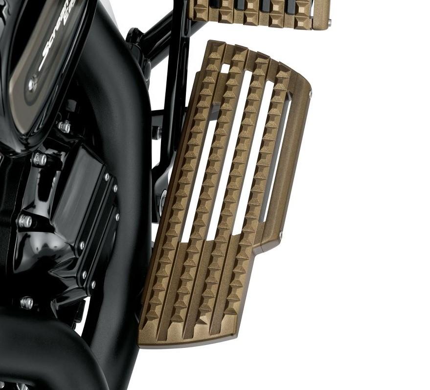 Harley-Davidson® Dominion™ Rider Footboard Kit | Bronze