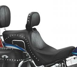 Harley-Davidson® Signature Series Seat with Rider Backrest | FLSTC Styling with Studs | Twin-Cam Softail®