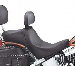 Harley-Davidson® Signature Series Seat with Rider Backrest | Smooth Style | Twin-Cam Softail®